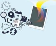 Marquez sur tablette avec les icônes de media et la lumière colorée Photos stock