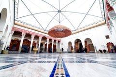 Marrakech MAROCKO - Februari 10, 2012 - mäktig Musée de Marrakech borggård som lokaliseras i den Mnebhi slotten Royaltyfri Foto