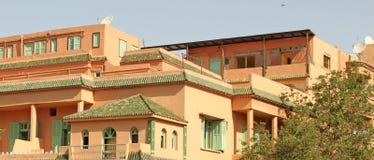 Marrakesh con le sui case e PA rossi famosi Immagine Stock Libera da Diritti