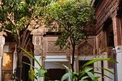 MARRAKESH MAROCKO mars 3, 2016: El Bahia Palace besökas av turister från all värld Det är ett exempel av östlig arkitektur Arkivbild