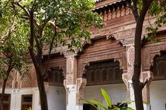 MARRAKESH MAROCKO mars 3, 2016: El Bahia Palace besökas av turister från all värld Det är ett exempel av östlig arkitektur Royaltyfri Foto