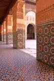 MARRAKESH, MAROKO: Podwórze Medersa Ben Youssef zdjęcie stock