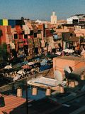 MARRAKESH SOUK SOTTO THE SUN fotografia stock libera da diritti