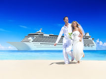 Marriage Couple Honeymoon Beach Summer Concept Royalty Free Stock Photography