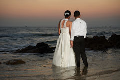 Married couple enjoing at sea beach Royalty Free Stock Photos