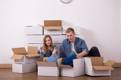 Married couple moving in apartment Royalty Free Stock Photography