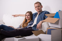 Married couple moving in Stock Images