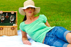 Married woman enjoying a picnic Royalty Free Stock Photos