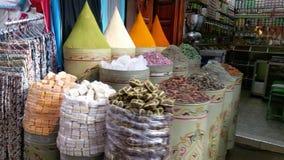 Marrocco - cores das especiarias das ervas de C4marraquexe fotografia de stock royalty free