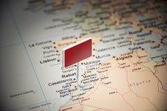 Marruecos marcó con una bandera en el mapa imagen de archivo libre de regalías
