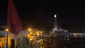 MARRUECOS - MARRAKESH ENERO DE 2019: Vista nocturna del EL Fna, un cuadrado y mercado de Djemaa en el cuarto de Marrakesh Medina almacen de video