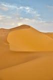 Marruecos, Merzouga, salida del sol en el ergio Chebbi Imagen de archivo
