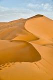 Marruecos, Merzouga, salida del sol en el ergio Chebbi Imagenes de archivo