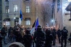 Mars av facklorna på den Estonia's självständighetsdagen Royaltyfria Foton