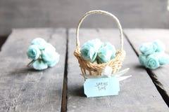 8 mars Carte de voeux internationale de jour du ` s de femmes avec des fleurs Image stock