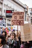 Mars contre des politiques d'atout Photos libres de droits