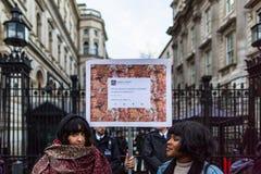 Mars contre des politiques d'atout Photographie stock