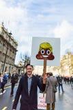 Mars contre des politiques d'atout Images libres de droits