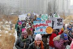 Mars de 2019 femmes à Cleveland du centre, Ohio, Etats-Unis photos stock