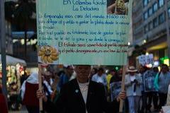 18 Mars 2019 - mars för försvaret av JEPEN, special jurisdiktion för fredBogotà ¡ Colombia royaltyfri fotografi