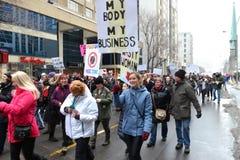 Mars för kvinna` s i Ottawa Arkivfoto