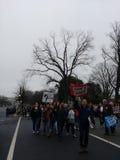 Mars för kvinna` s på Washington, ACLU-meningsskiljaktighet är patriotisk, personer som protesterar samlar mot presidenten Donald Arkivbild