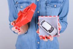 8 mars giv d'automobile de désir de chance de loterie de gagnant de victoire d'intérieur de valentine images libres de droits