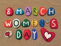 8 mars, le jour des femmes sur des pierres Image libre de droits