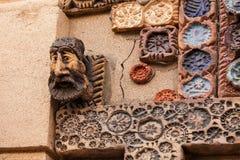 12 Mars 2017 M Magomayev gränd, Baku, Azerbajdzjan Frescoesna som dekorerade väggarna av huset av konstnär-skulptören Royaltyfria Foton