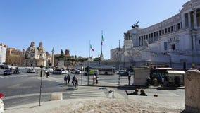 21 mars 2019 : Monument de l'Italie Rome Vittorio Emanuele II, touristes sur des excursions à la ville au printemps clips vidéos