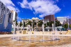 Mars 19, 2019 San Diego/CA/USA - stads- landskap i Horton Plaza Park, Gaslamp fjärdedel, San Diego royaltyfria bilder