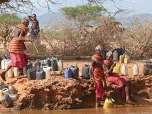 MARSABIT ETIOPIEN - 28 NOVEMBER 2008: En okänd kvinna från Royaltyfria Foton