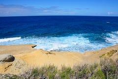 Marsalforn skalista linia brzegowa, Gozo Fotografia Royalty Free