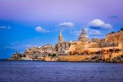 Marsamxett schronienie i Valletta, Malta: Sceniczny zmierzchu widok Fotografia Stock