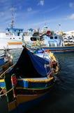 Marsaxlokk is een traditioneel die visserijdorp in het zuidoostelijke deel van Malta wordt gevestigd, Stock Afbeeldingen