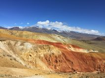 Marsbewonerlandschap ter wereld Kyzyl-kin of van Altai Mars rode rotsenbergen altai Rusland stock foto's