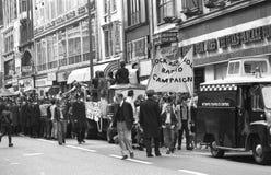 Marsch för rock'n'rollradioaktion Fotografering för Bildbyråer