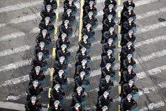 Marschera för soldater Royaltyfri Bild