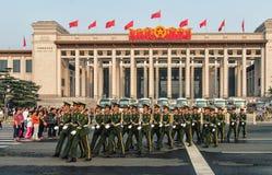 Marschera för soldater Royaltyfria Foton