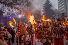 Marschera med rituell brand Royaltyfria Bilder