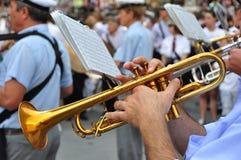 Marschera musikband i Italien Royaltyfri Foto