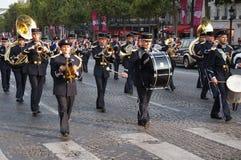Marschera på Champset-Elysees Royaltyfria Bilder