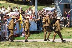 Marschera soldater Arkivfoto