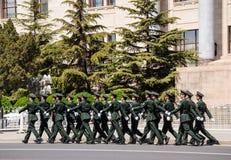 Marschera vakter i beijing Arkivfoto