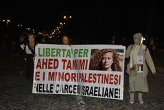8. Marschfrauen ` s der Rechtdemonstration Rom lizenzfreies stockfoto