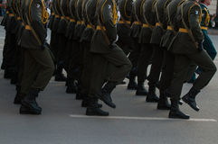 Marschierende Soldaten stockbilder