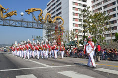 Marschmusikband under den 117. guld- Dragon Parade Royaltyfri Bild