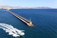 Marseille falochron i Pilotowa łódź Obraz Royalty Free