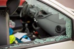 MARSEILLE, FRANCJA/- 03 20 2017 Samochodowego szkła jest brocken Obraz Stock
