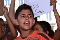 Marseille, Frankrijk - Augustus 9, 2014: De protesteerder verzamelt zich tijdens een demonstratie Stock Fotografie